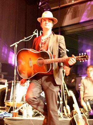 Ausrutscher nach rechts, Pete Doherty; Foto: Lisa Sonnabend