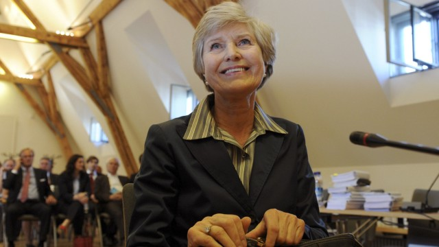 Friede Springer publisher and widow of Axel Springer appears in a Munich courtroom