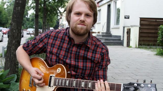 Kandidaten für Tassilo-Preis: Michael Wagner spielt Gitarre, seit er elf Jahre alt ist. Mit seiner Band Lem Motlow hat sich der 22-Jährige dem Hard Rock verschrieben, doch in der Seele ist der Bluesgitarrist.