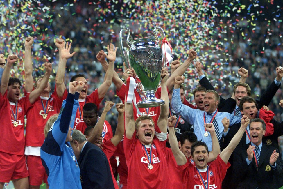 BAYERN MUNICH'S EFFENBERG LIFTS THE EUROPEAN CUP IN MILAN