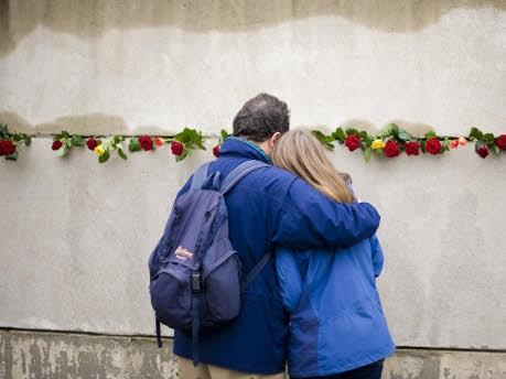 Besucher, Gedenkstätter Berliner Mauer, ddp