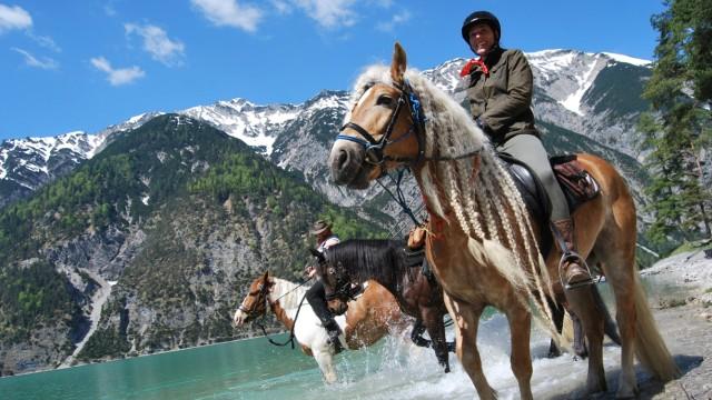 Reiten in den Alpen zwischen Bayern und Tirol
