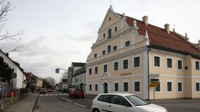 Petershausen: Petershausens Klimaschutzleitbild sieht vor, auf neue Baugebiete zu verzichten und Lücken im Ort (hier der Pertrichplatz) zu schließen.