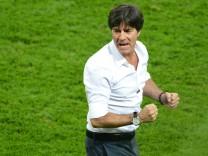 Fußball-Bundestrainer: Ende eines Hemden-Epos