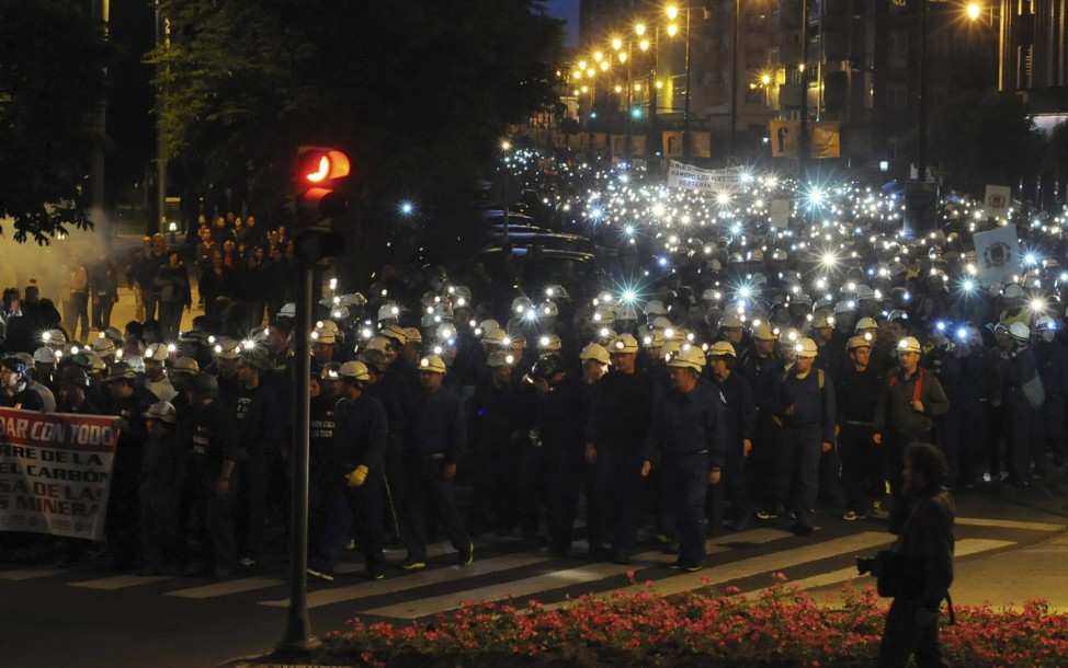 Spanish miners and their relatives protest in Leon city