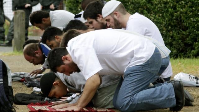 Salafisten halten Friedenstreffen ab