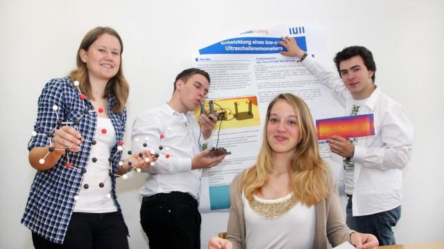 Gautinger Gymnasiasten an der TU München