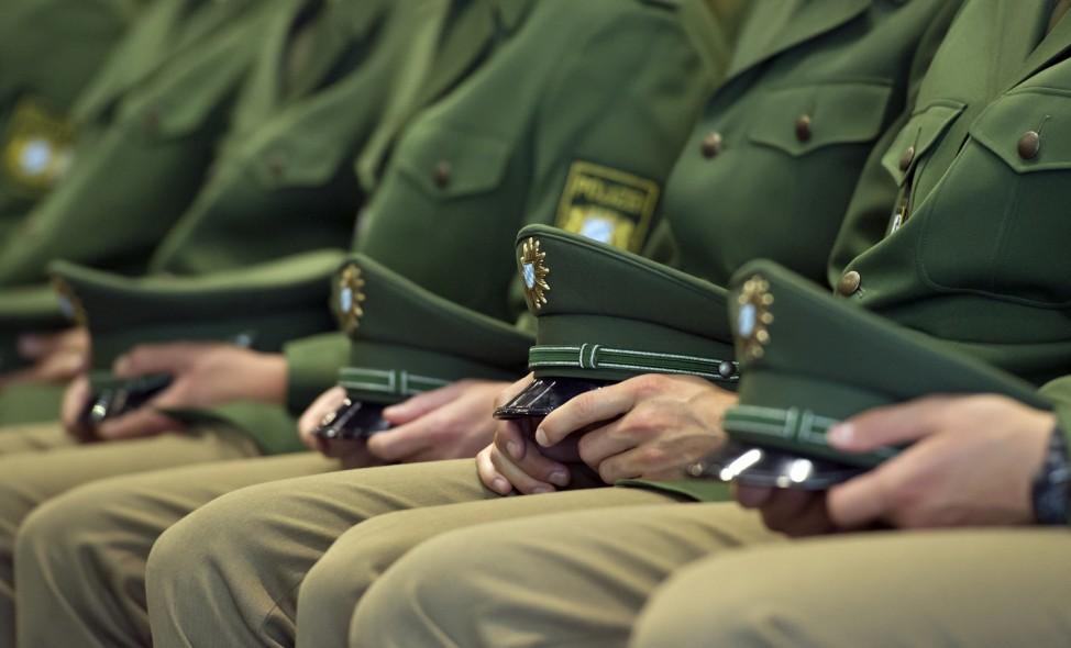 Landesinnenminister Herrmann nimmt Polizeibeamten den Diensteid ab