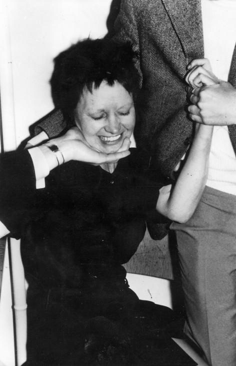 Ulrike Meinhof nach ihrer Verhaftung, 1972