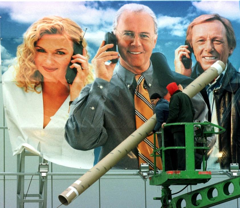 Veronika Ferres,Franz Beckenbauer und Claus-Theo Gärtner werben für Mobiltelephon