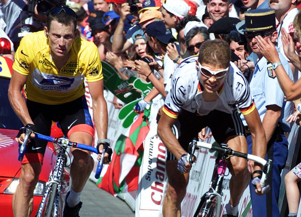 LANCE ARMSTRONG AND JAN ULLRICH DURING 14TH STAGE OF TOUR DE FRANCE CYCLING RACE