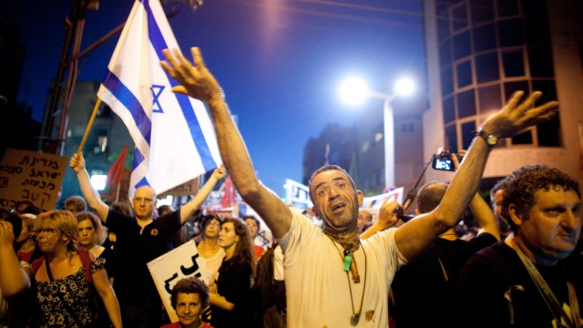 Israelis Demonstrate For Social Equalities