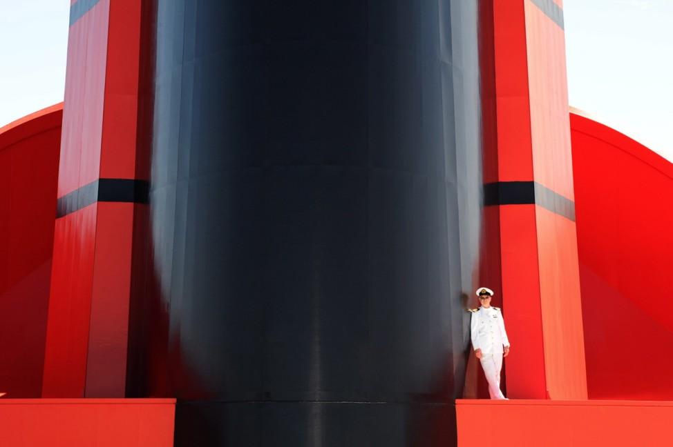 Queen Mary 2 Arrives In Australia