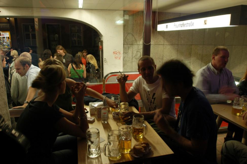 """Currywurstbude """"Bergwolf"""" in München"""