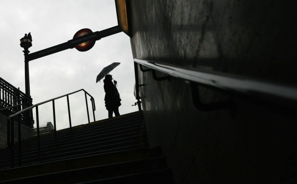 Daniel Craig James Bond Skyfall London Drehorte Städtetipps Underground Staff Stage 24-Hour Strike