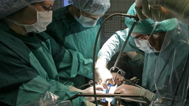 Verdacht auf Manipulationen bei Organtransplantationen