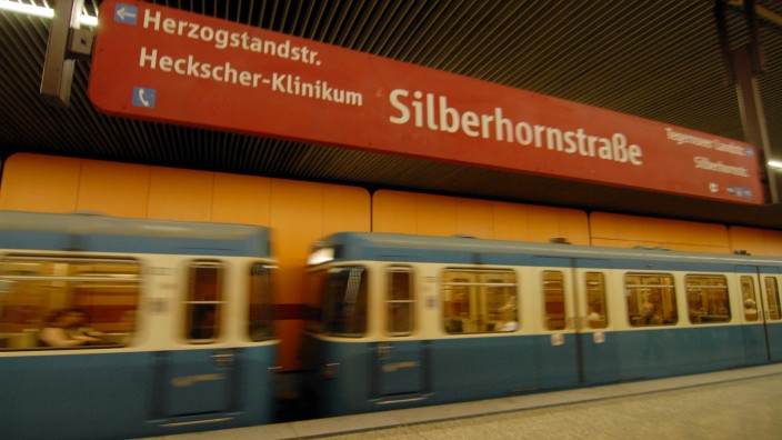 U-Bahnhof Silberhornstrasse in München, 2009