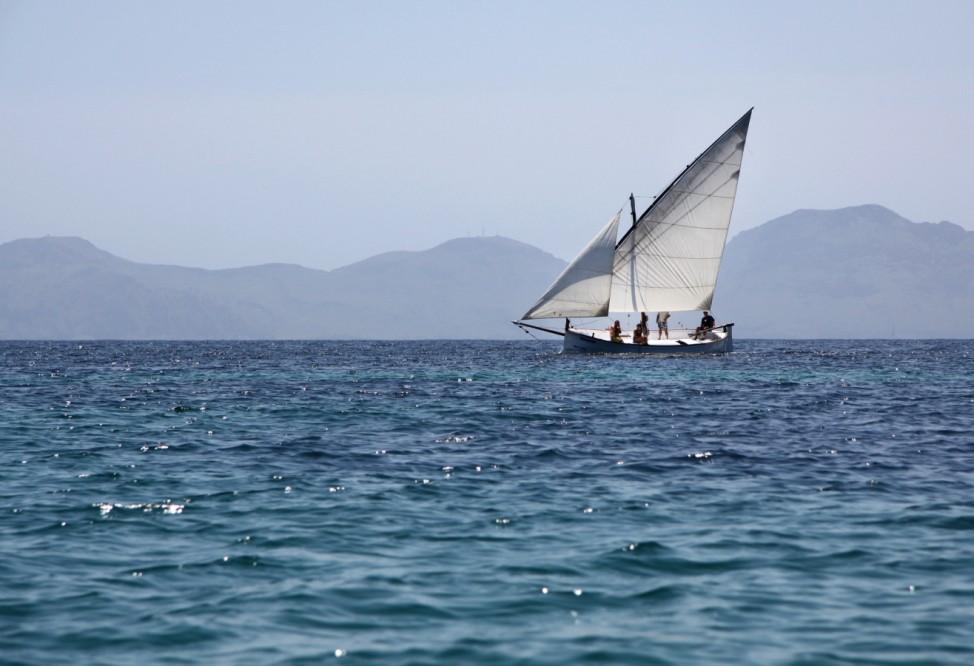 Inselhüpfen mit dem Segelboot: Die unbekannte Seite der Balearen