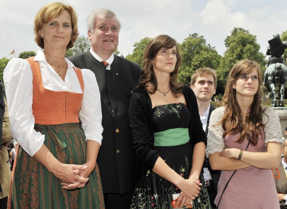 Bayerns Spitzenpolitiker urlauben dahoam