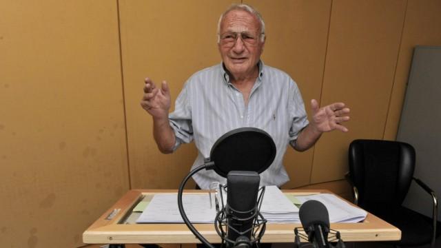 Synchronsprecher Norbert Gastell: 'Neiiin' - Norbert Gastell, Synchronsprecher von Homer Simpson, bei Aufnahmen im Studio.