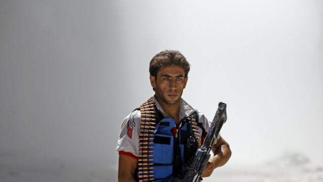 Kampf gegen Assad: Aufständischer in der Kampfzone Aleppo Syrien