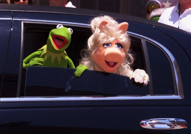 MISS PIGGY AND KERMIT AT MUPPETS FROM SPACE PREMIERE IN LOS ANGELES