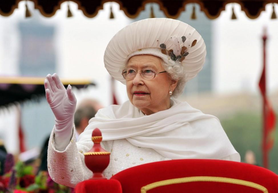 Auch vor der eigenen Königin nimmt der studierte Altertumswissenschaftler kein Blatt vor den Mund. Das 60. Thronjubiläum von Queen Elizabeth II. im Londoner Nieselregen kommentierte der Bürgermeister
