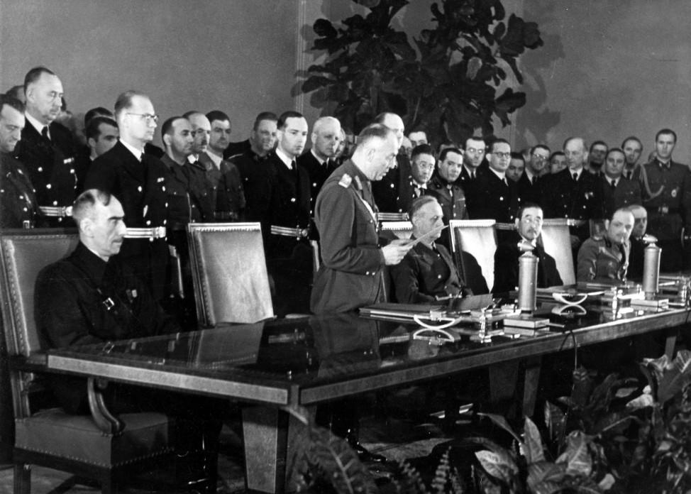 Antonescu verliest Regierungserklärung zum Beitritt zum Dreimächtspakt Scherl / SZ Photo