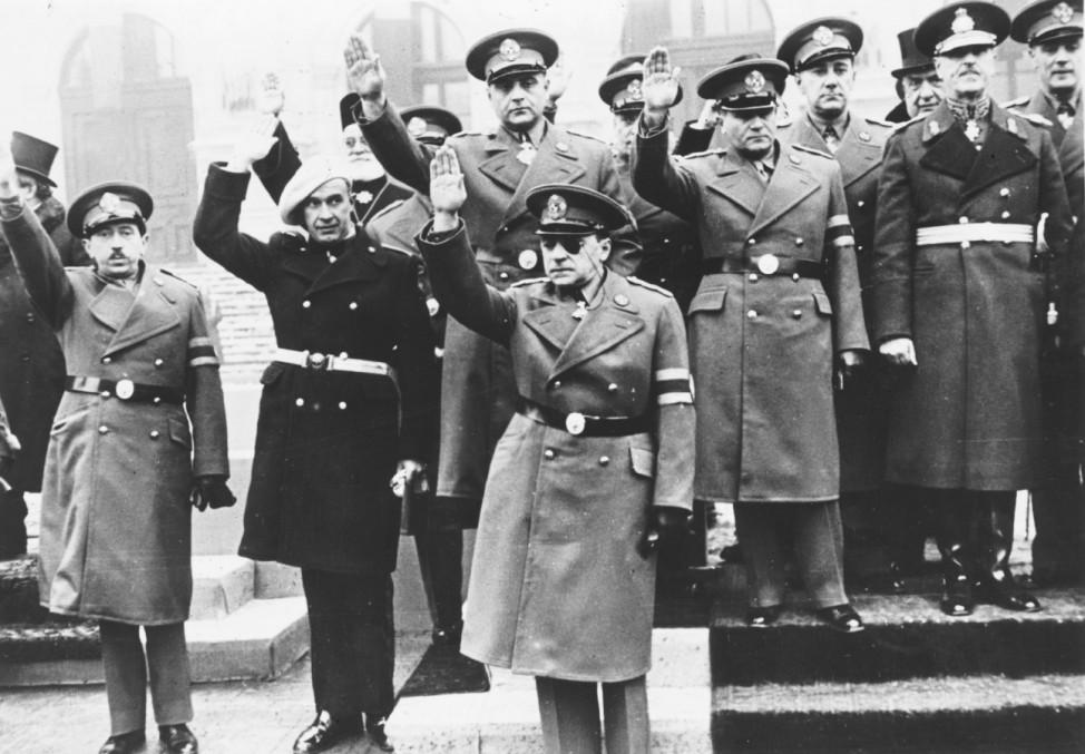 Minister der neuen Bukarester Regierung in Uniform mit Faschistengruß