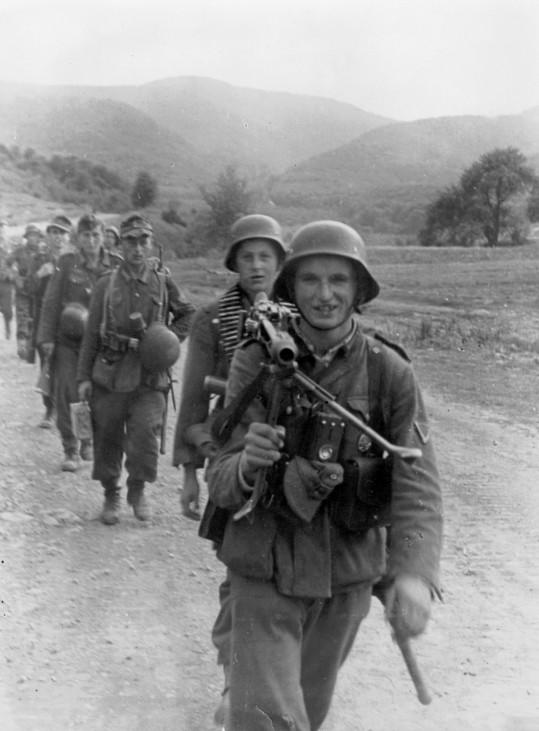 Deutsche Infanterie in den Karpaten, 1944 Scherl / SZ Photo