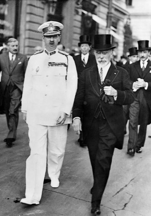 Carol von Rumänien und Jean Louis Barthou in Bukarest, 1934