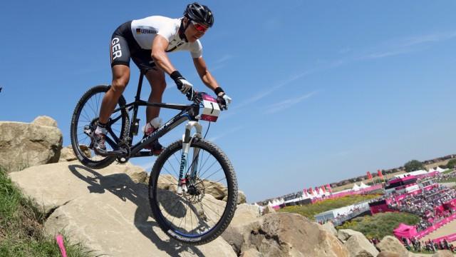 Mountainbikerin Sabine Spitz gewinnt Silbermedaille bei Olympia