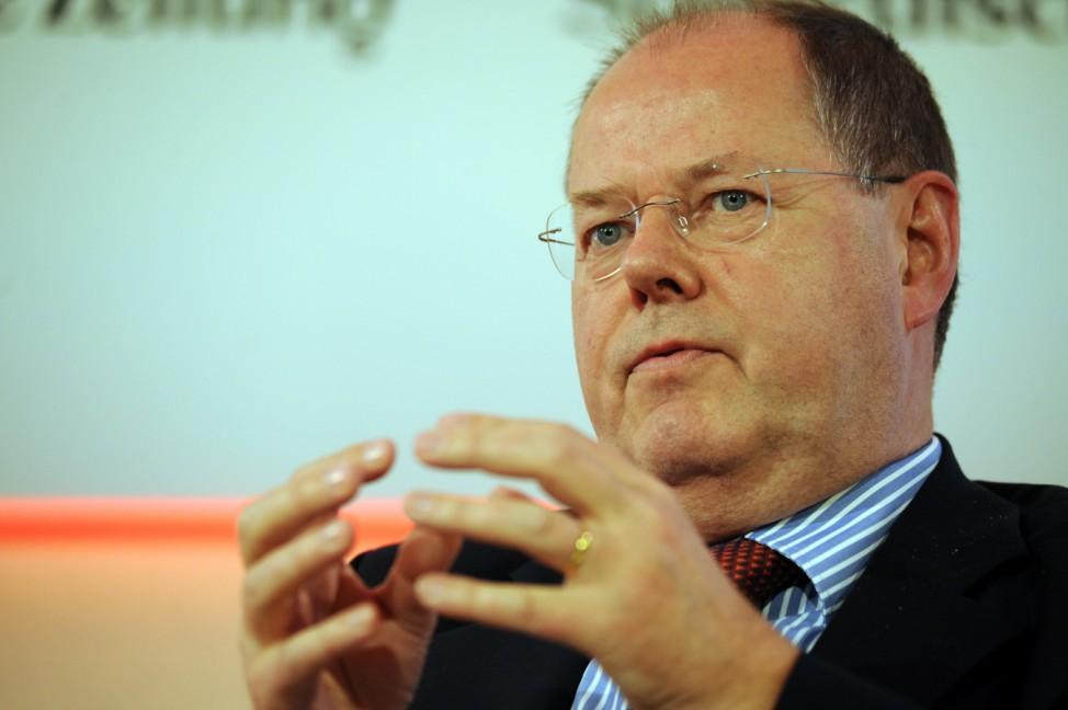Peer Steinbrück beim Führungstrefffen Wirtschaft in Berlin, 2011