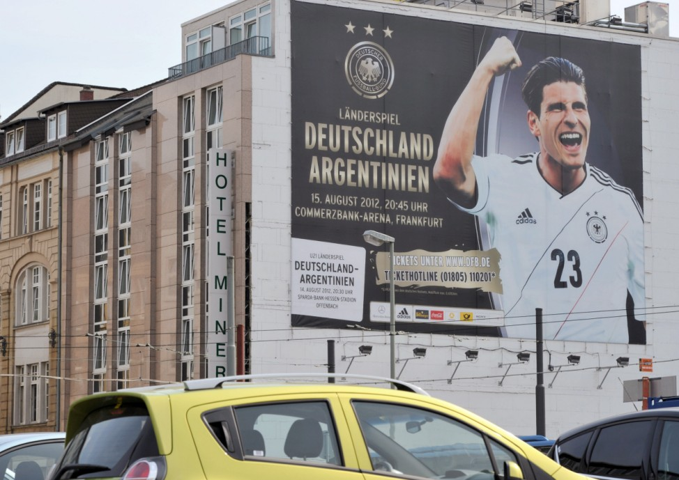 Werbung für Länderspiel Deutschland - Argentinien