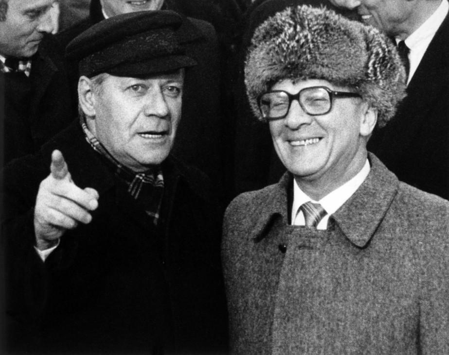 Witze-Buch zum Honecker-Jahrestag