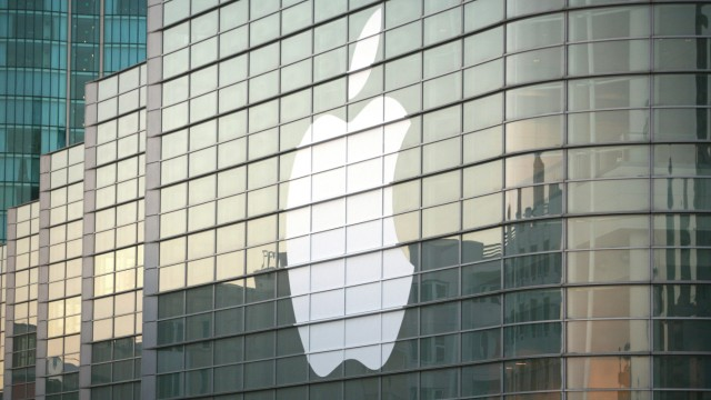 Jury orders Samsung to pay Apple more than $1 bn: media