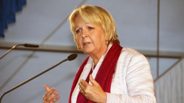 Hannelore Kraft spricht im Bierzelt