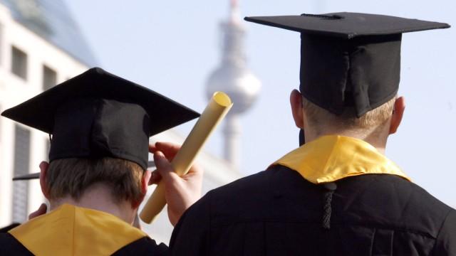 Scharfe Kritik an Bachelor- und Masterabschluessen