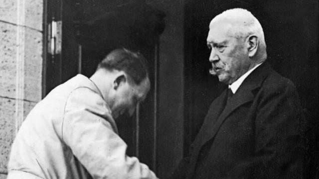 Adolf Hitler mit Paul von Hindenburg, 1933