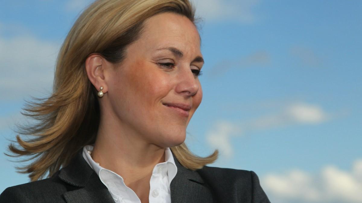 Nackt Bettina Wulff  Streit um