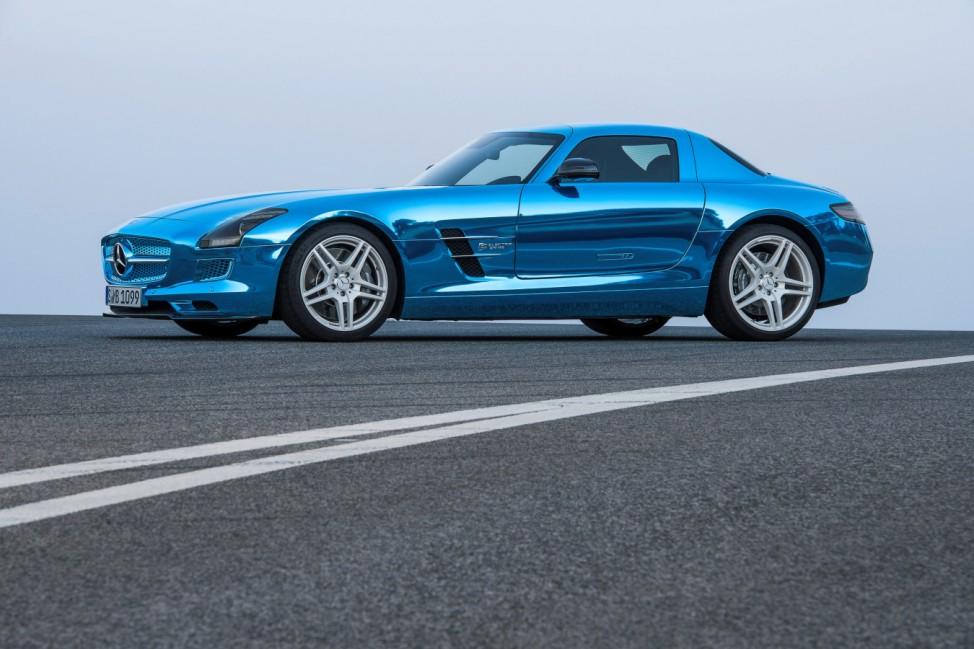 Elektrischer Mercedes SLS setzt neue Maßstäbe bei Tempo und Preis