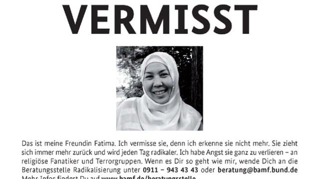 Empoerung ueber 'Vermisst'-Postkarten in Koelner Keupstrasse