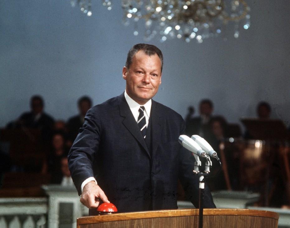 Willy Brandt startet das Farbfernsehen, 1967