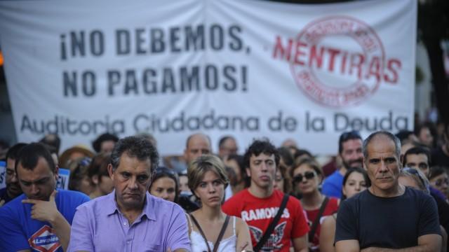 Krise in der Euro-Zone: Demonstranten in Madrid:Spanien hat die höchste Arbeitslosenquote in Europa - sie liegt bei 25,1 Prozent.