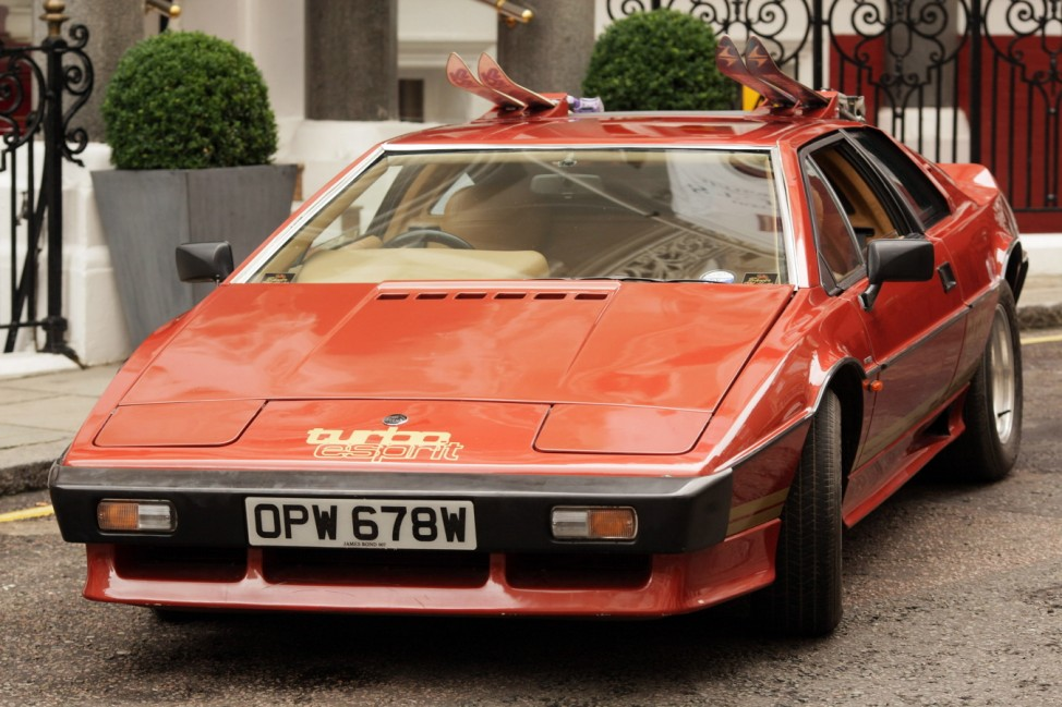 Lotus From Bond Film Set To Go Under The Hammer