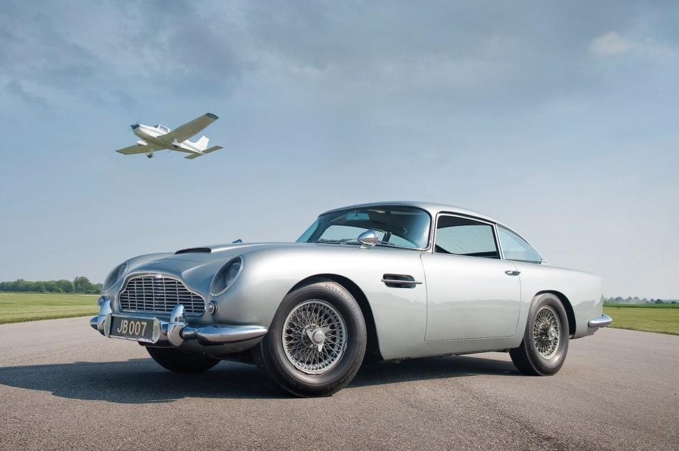 Aston Martin DB5, James Bond
