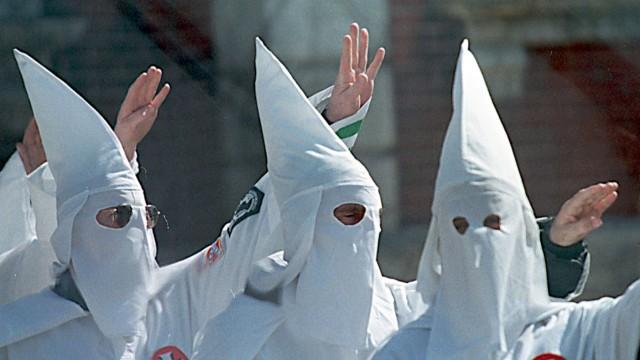 Ku-Klux-Klan-Affäre der Polizei - Liste seltsamer Zufälle - Politik - SZ.de