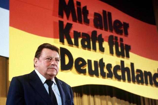 Geißendörfer plant Film über Franz Josef Strauß