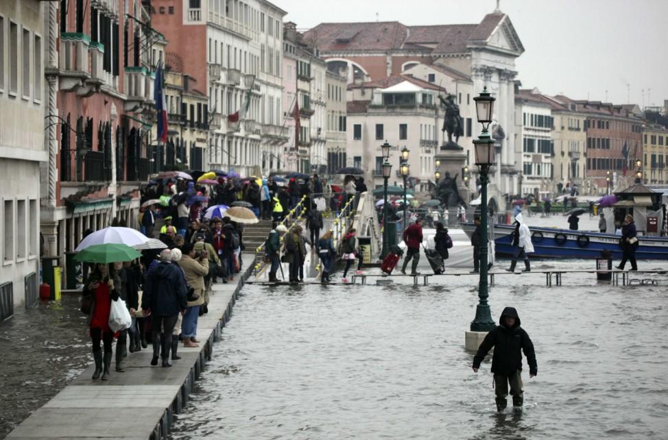 Venedig Hochwasser Italien Acqua Alta Markusplatz