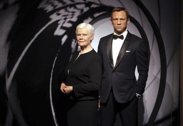 Judi Dench und Daniel Craig bei Madame Tussauds